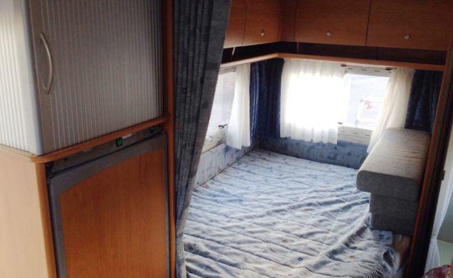501 – Weinsberg - 4 slaapplaatsen - Dinnette en Frans bed en compleet inventaris