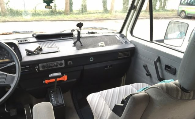 Rijn – VW T3 Westfalia from '88 gasoline dispenser with lifting roof