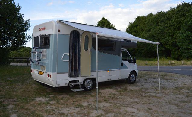 De Parel – Prachtige en praktische familie camper!