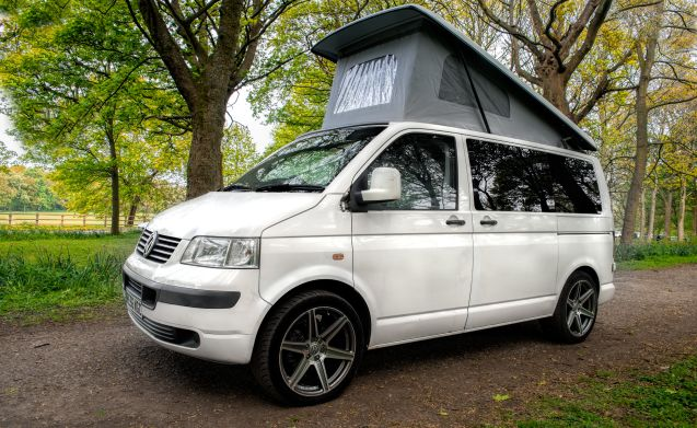 vw cervan for hire 4 berth based in manchester 163 59 00