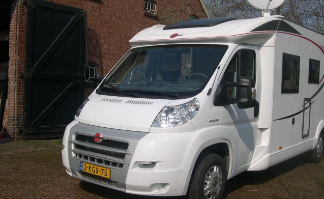 Relaxed and comfortable driving Burstner Nexxo t 728