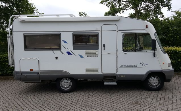Easter weekend available: Compact and well maintained 4 p. Hymer camper.