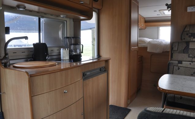 Elnagh Sleek  – Beautiful, neat and compact 4.-pers. camper