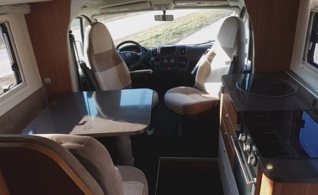 Adria Matrix 680 SL – Luxury and spacious family camper with lots of extras