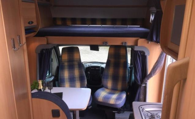 Luxury family camper for rent