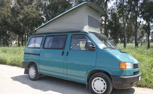 Bologna – Volkswagen Westfalia California T4
