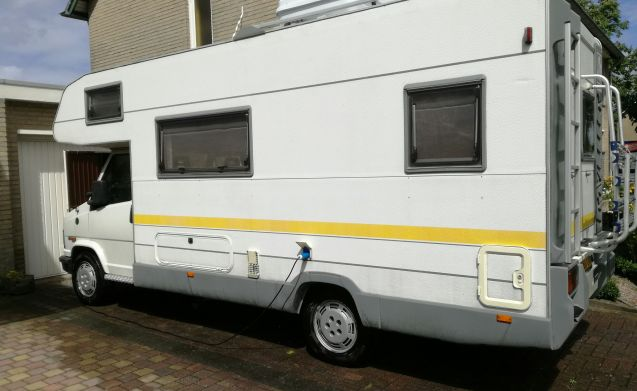 Family car 5 pers. Knaus 2.5 Turbo Diesel near Eindhoven - Helmond