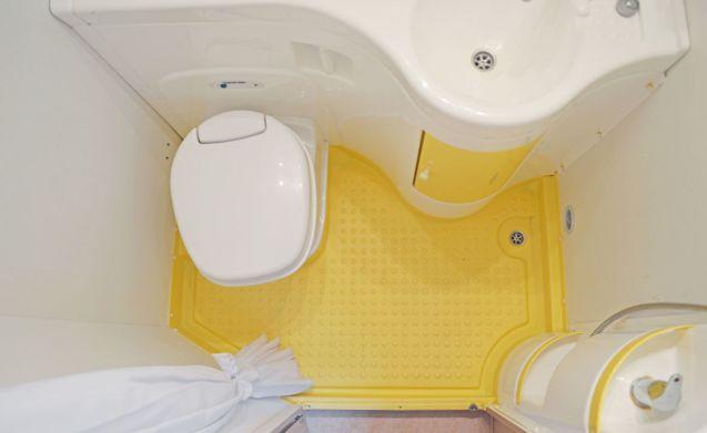 209  – Eura Mobile 665 - 6 posti letto - generosi posti a sedere rotondi e inventario completo