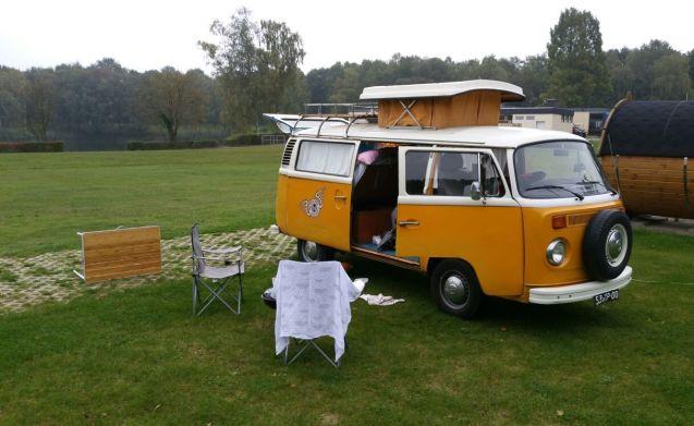 Tuv – Cosy kamperen met Tuv, vrolijke VW t2 camper!