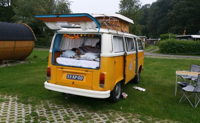 Tuv – Cozy camping with Tuv, VW t2 happy camper!