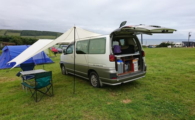 Compacte campervan om Peak District, Meren, Snowdonia te bezoeken