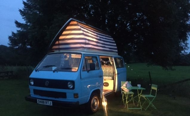 Vw Camper Van >> Lorretta The Vw T25 Campervan From Cromptons Vw Campervan Hire 118