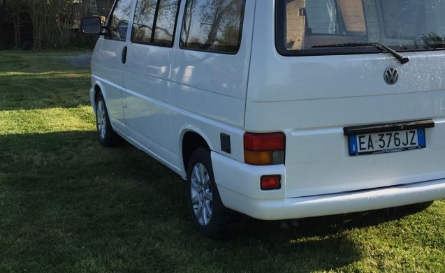 Mythical vw t4 westfalia 2.4 d robust and compact
