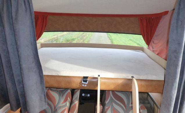 """ Onderzeeer "" – HYMER B564, very neat and fresh camper!"