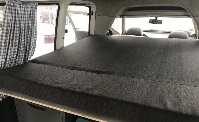VW CADDY CAMPER WIFI 2 SLEEPING PLACES