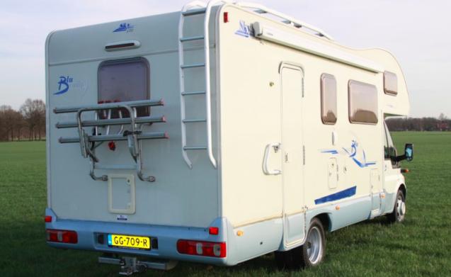 Blucamp Sky 400 - Gezellige gezinscamper met 7 Slaapplekken!