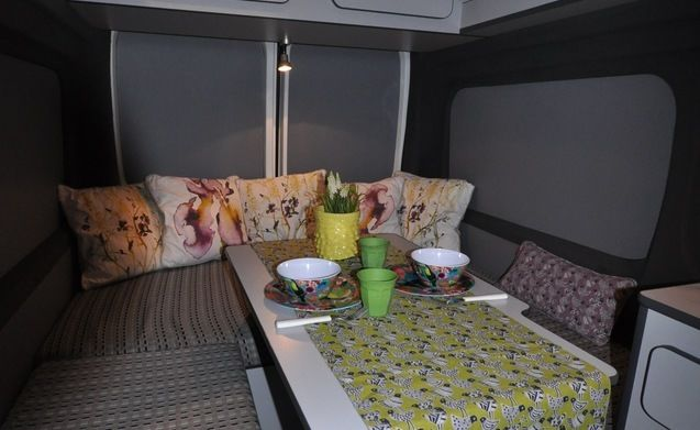 Type 2a – Modern and trendy decorated bus camper