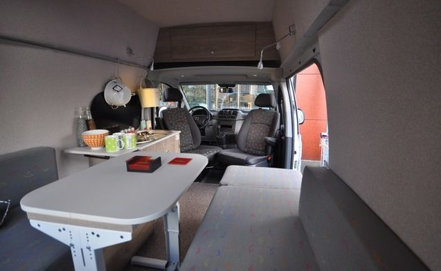 Type 3B – Tough Mercedes Vito with a big bed