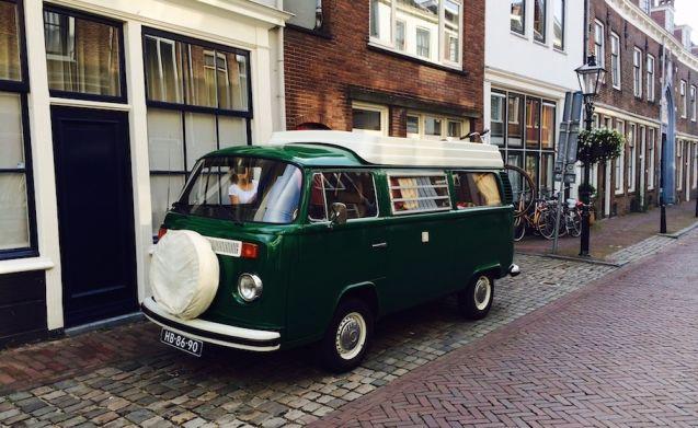 Charmante Volkswagen T2 camperbus uit 1974