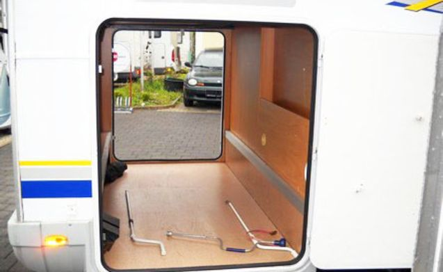 Camper 104 – 104 Burstner 647G Family camper with fixed beds, incl. Inventory!
