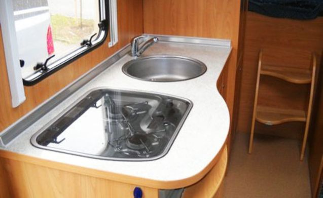 Camper 104 – 104 Burstner 647G - 6 sleeping places and complete inventory