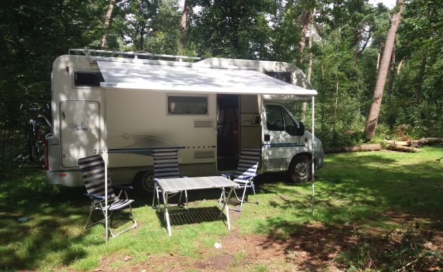 Spacious Alcove Camper for 4 people