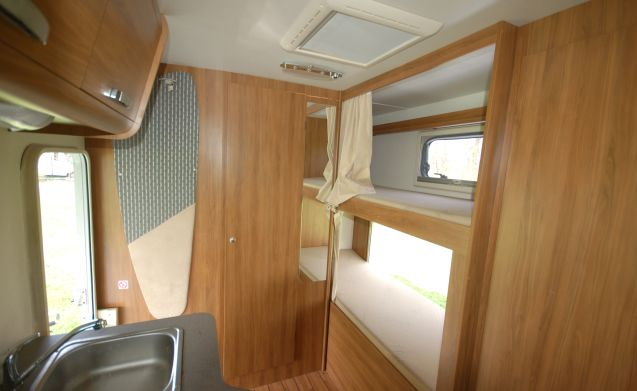 6 ford rimor katamarano sound 6 persoons camper – 6 ford Rimor Katamarano 2013 6 persoons