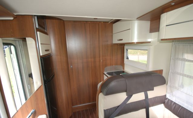 7 Mclouis Sovereign – 7 McLouis Sovereign 4 persoons camper