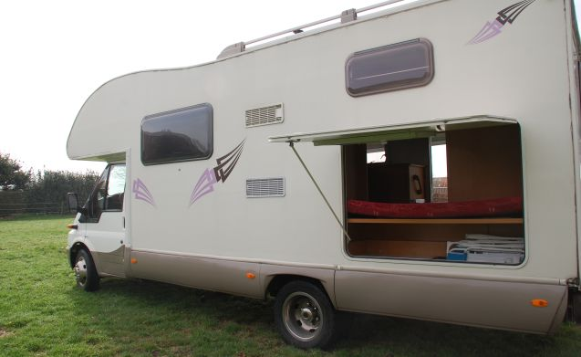 4 Ford rimor villamobil 6 person camper