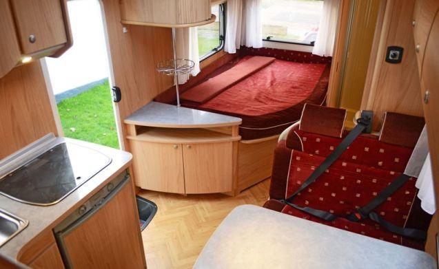 210 – Burstner Levanto 574 - für 6 feste Betten und komplettes Inventar