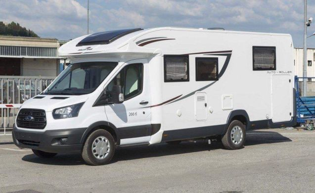 Recent (model 2017) family mobile home