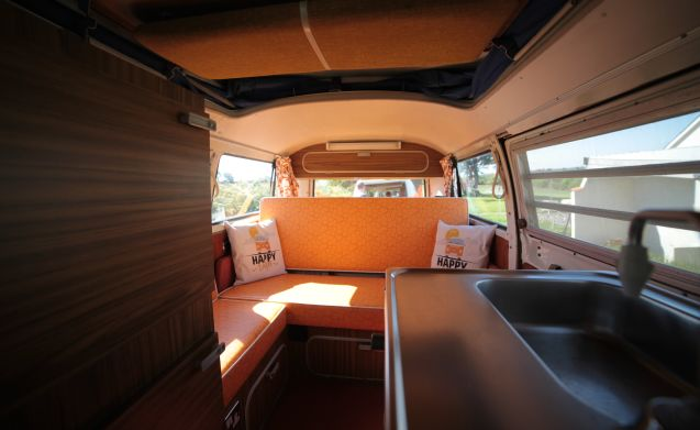Blossom – Classic VW Camper Van hire in Cornwall