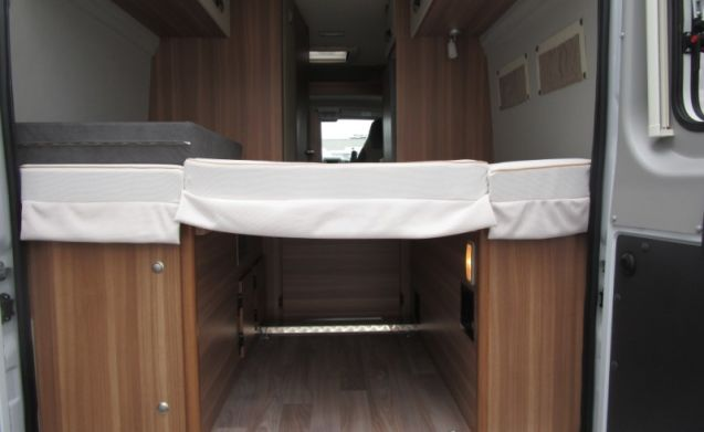 Sporty (bus) camper with 3 berths / SC3