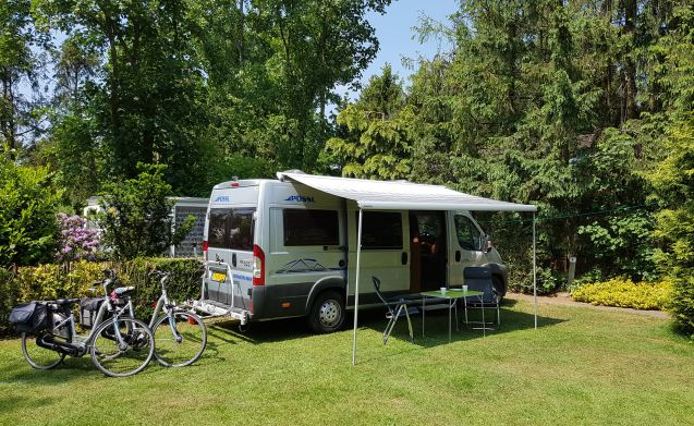 Fantastic camper van for 2 persons, with length beds!