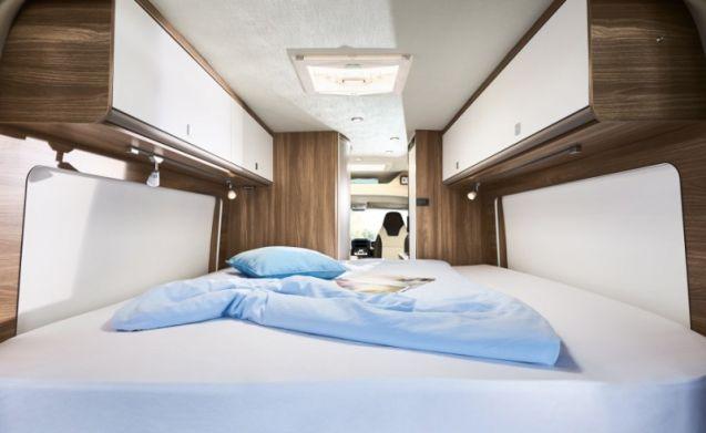Ruime camper met 3 slaapplaatsen / SSB3