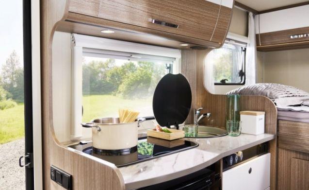 Comfortabele camper voorzien van 3 slaapplaatsen / CC3