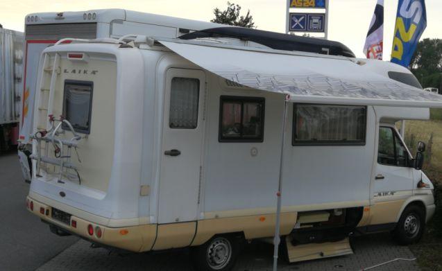 Laika Kreos 3004 Family Camper – Fantastic Laika family camper