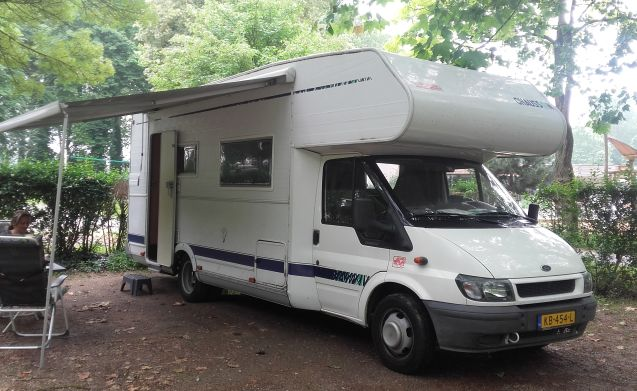 Bully – Ford Chaisson 7 seater camper