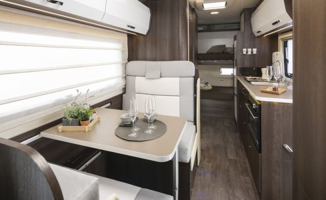 HighFlyer – 2018 6 berth Luxury Motorhome