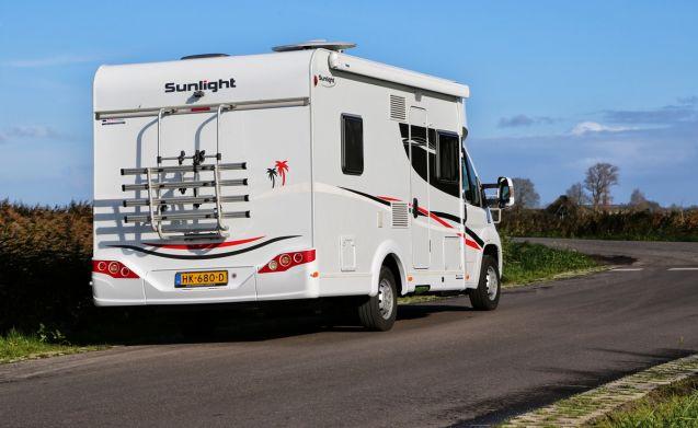 SUNLIGHT T64 Luxe 4 persoons camper uit 2015