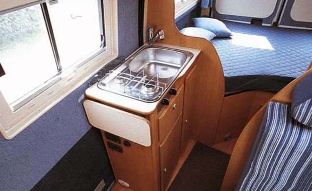 RemotExploration – Fast and manageable integral camper