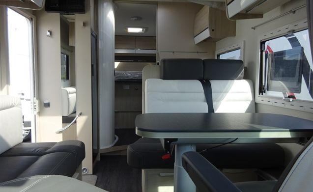 387 XT – Splinternieuwe wagen om direct te vertrekken met trekhaak
