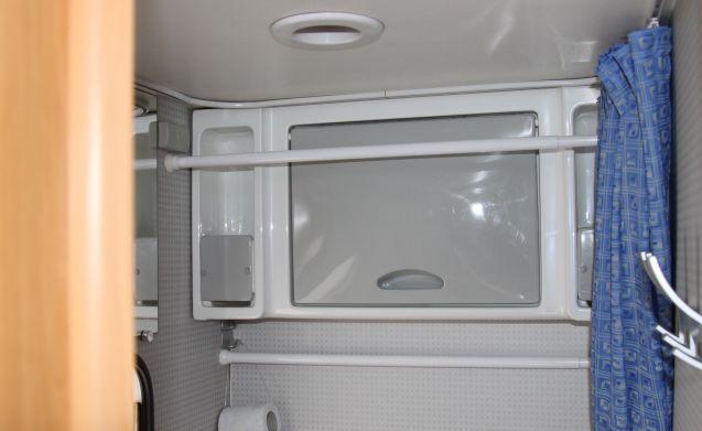 Flash 02 (2) – Compacte camper van 560 lengte met airco Flash 02 (2)