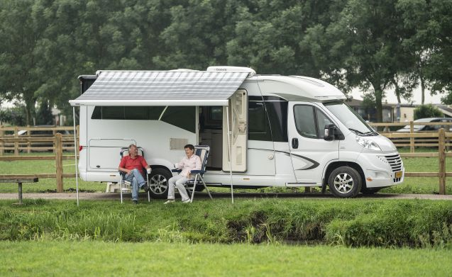 Super beautiful Hobby camper 150pk machine with lots of extras
