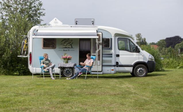 Sunny Boy – Book your (summer) holiday 2019 and enjoy our camper with French Bed!