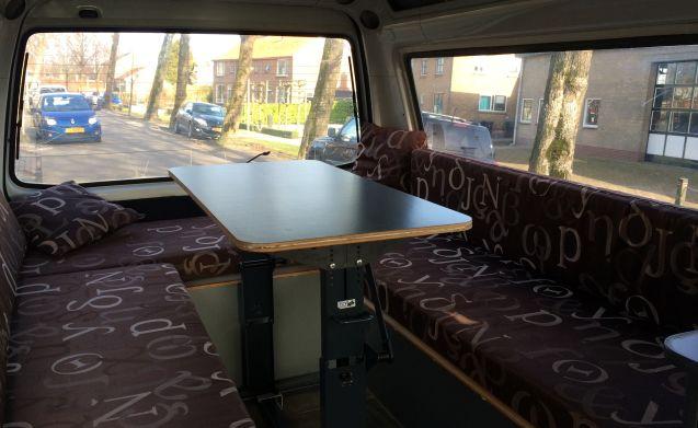 Stoere 4x4 L300 camperbus