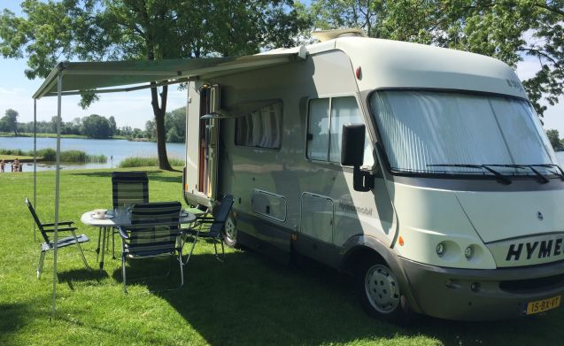 rent this hymer motorhome for 4 people in dongen from 86. Black Bedroom Furniture Sets. Home Design Ideas