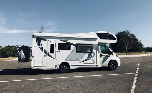 New, stylish and comfortable mobile home with 6 + 1 sleeping places