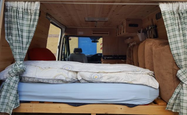 Marshmallow  – Take a road trip in Scotland in a Campervan