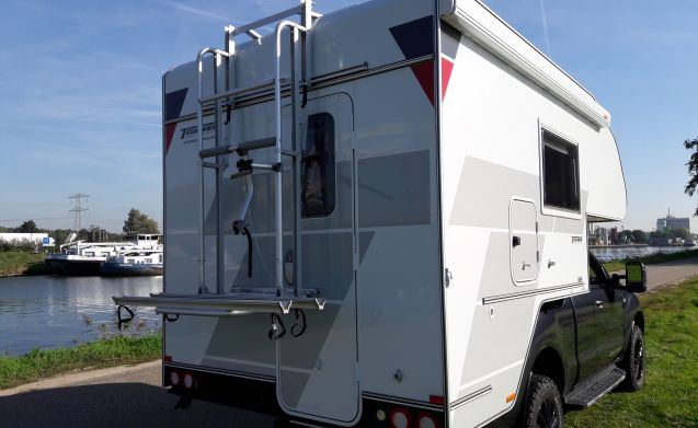 Tischer Box 240 camper unit (without car)